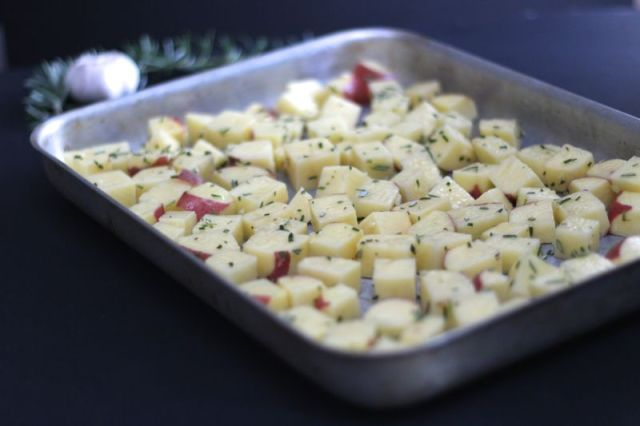 rosemary-garlic-potatoes-3